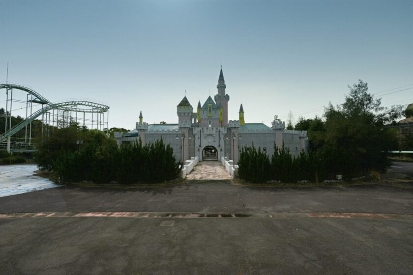 reginald-van-de-velde-abandoned-amusement-parks-fy-28