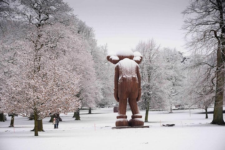 kaws-sculptures-yorkshire-sculpture-park-fy-2