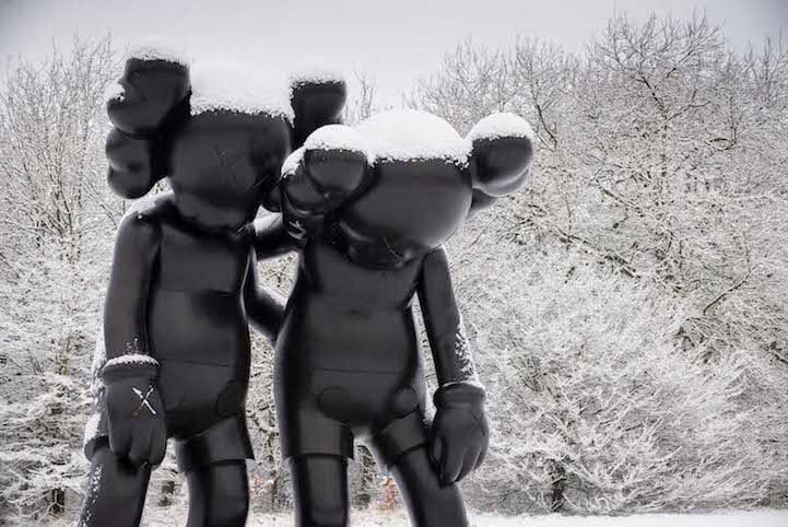 kaws-sculptures-yorkshire-sculpture-park-fy-9