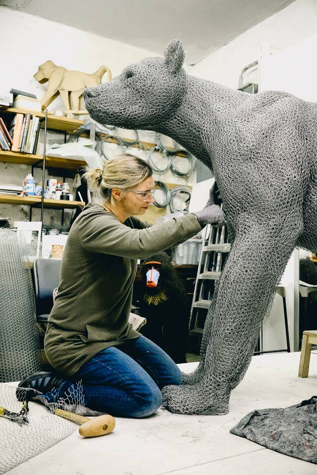 kendra haste fy 12 - Artist Creates Life-Size Animal Sculptures Made Completely Out of Wire