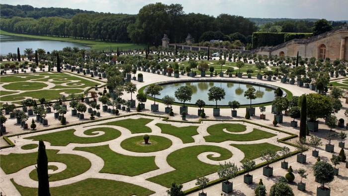 The 5 landscape designers who changed the world freeyork for Garden design versailles