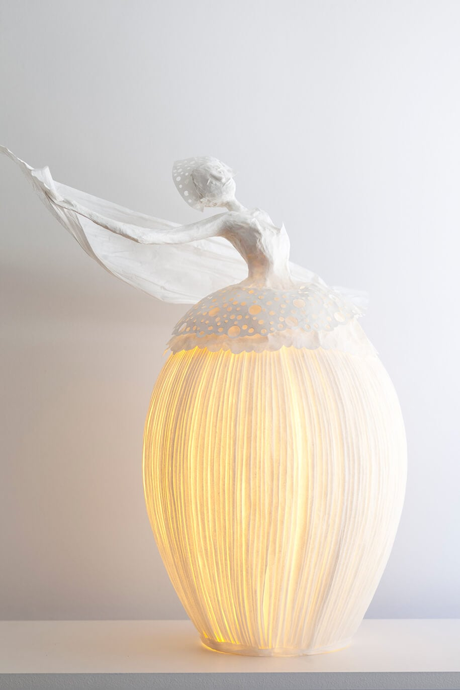 Beautiful Paper Lamp Sculptures Illuminate The Room With Style -sculpture, paper-art, lamp