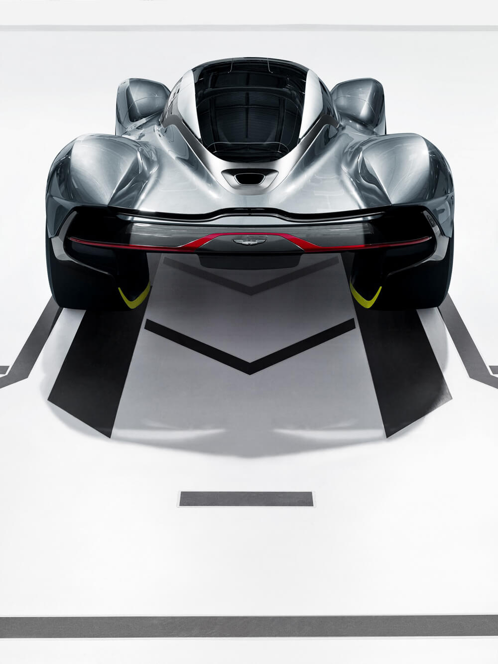 aston-martin-red-bull-racing-reveal-rb-001-hypercar-2