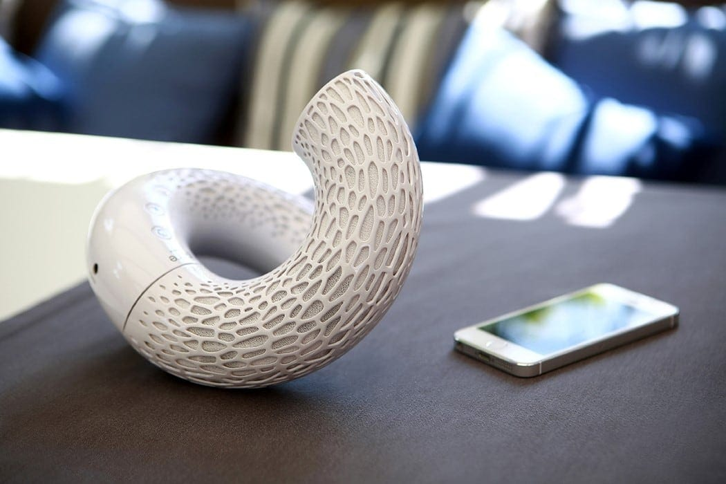 Flexible and Fashionable AeroTwist Speakers By Jarre Technologies -