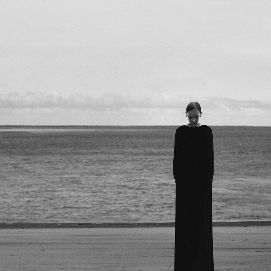 12b - Surreal Black and White Self-Portraits by Noell Oszvald
