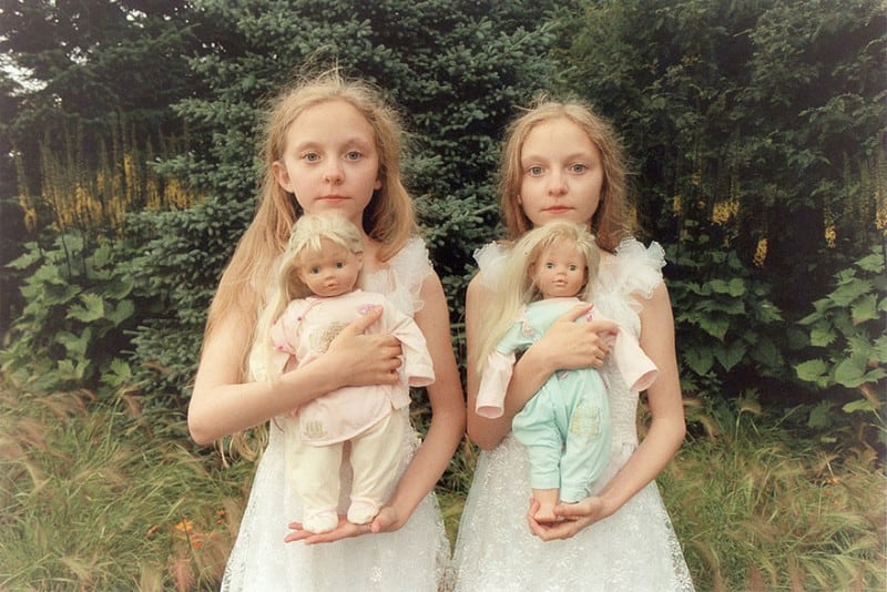 Icelandic Twin Girls in Beautiful & Haunting Photographs by Ariko Inaoka -twins, photoshoot, photo-project