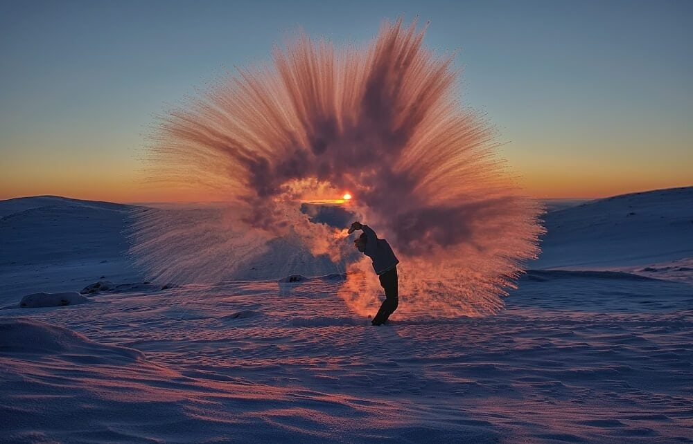 Throwing a Thermos of Hot Tea at -40°C Near the Arctic Circle -ice, canada