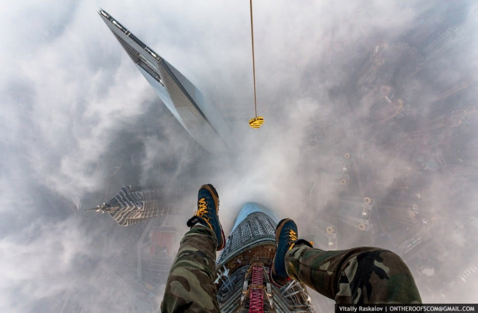 25 Illegal Photographs That Urban Climbers Risked Their Lives To Take -urban, skyscraper, extreme