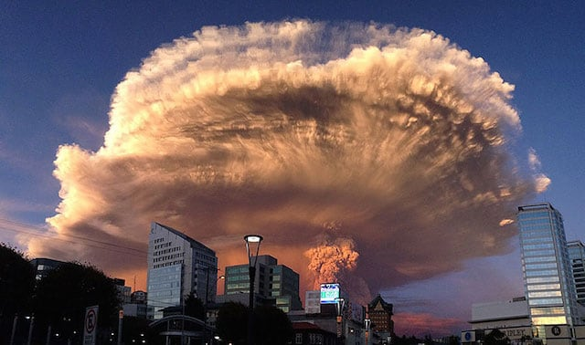 10 Magnificent Photographs Of Volcano Eruption in Chile -nature