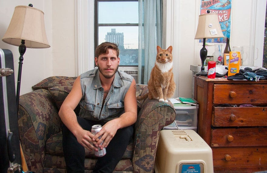 10 Photos of Men With Their Adorable Cats -photography, cats