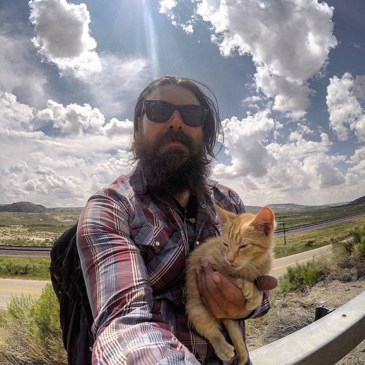 Biker Saved Tiny Injured Kitten's Life and Went on Cross-Country Road Trip Together -travel, photo, kitten, cute, cat