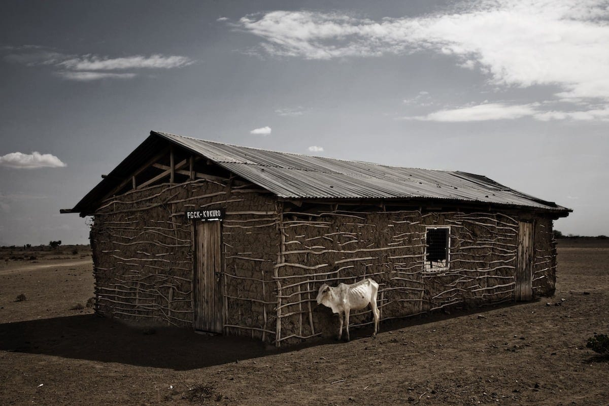 Stefano De Luigi's Shocking Photographs of Drought in Kenya -travel, animals, africa