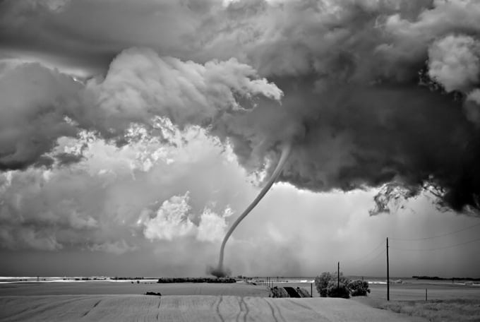 Mitch Dobrowner Photographs Of Storms -photographer, black and white