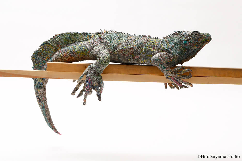 Animal Sculptures Created from Rolled Newspaper by Artist Chie Hitotsuyama -sculpture, paper, animals