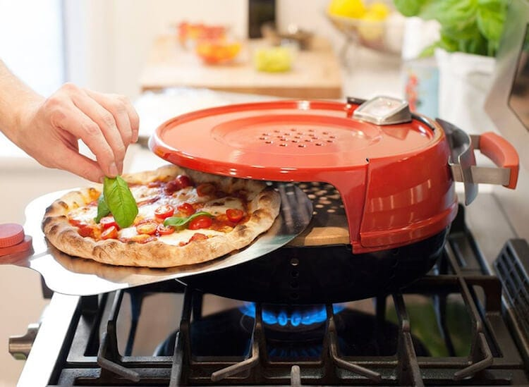 "pronto 4 - ""Pizzeria Pronto"" Turns Any Gas Stove Into a Portable Pizza Oven in Just 15 Minutes"