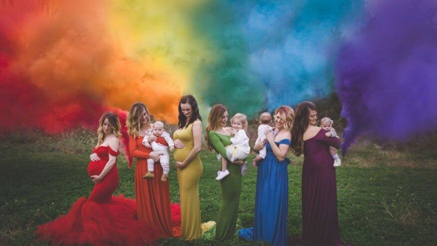 "6 Mothers Join for One Stunning ""Rainbow Baby"" Photo Shoot -babies"