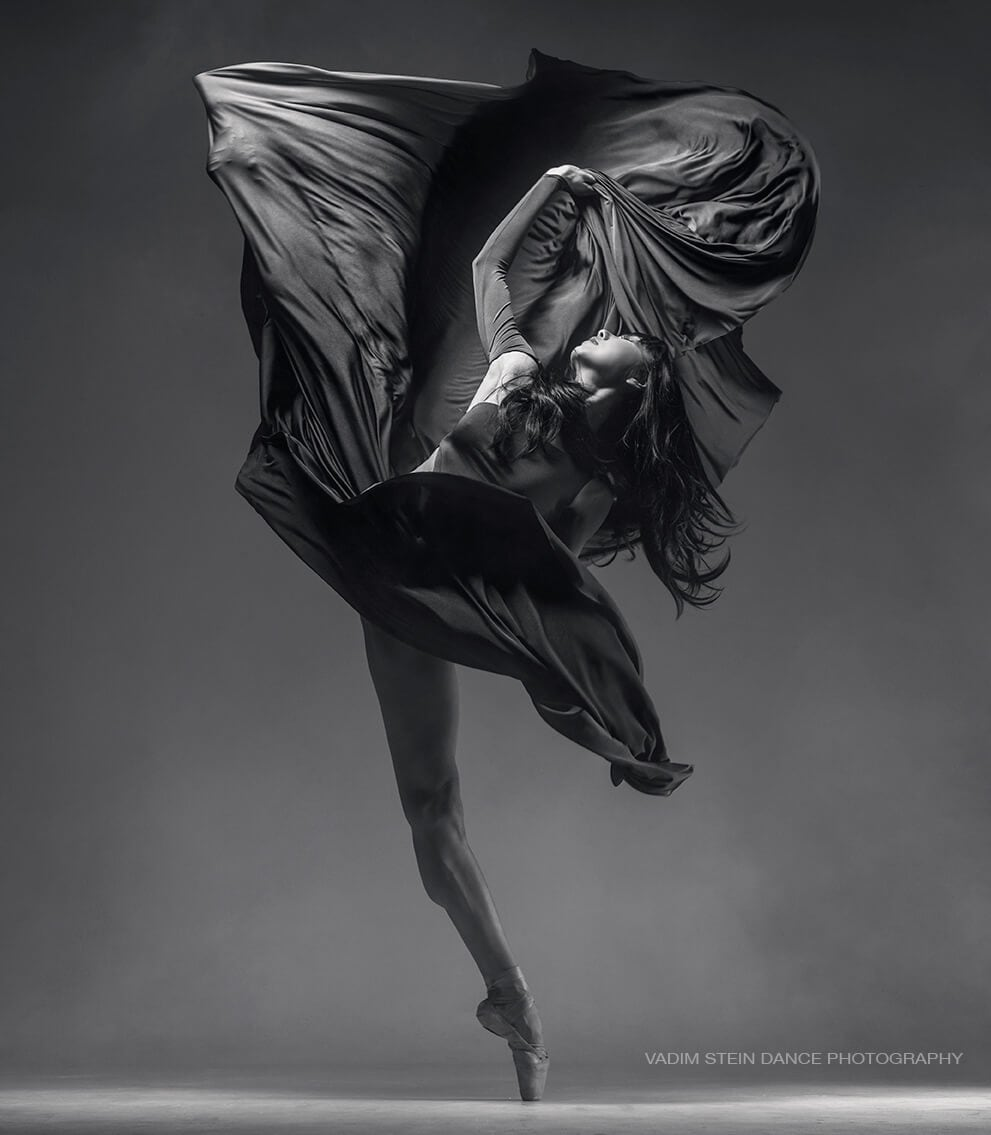 Astonishing Black & White In Motion Photos of Dancers by Vadim Stein -dancers, black and white