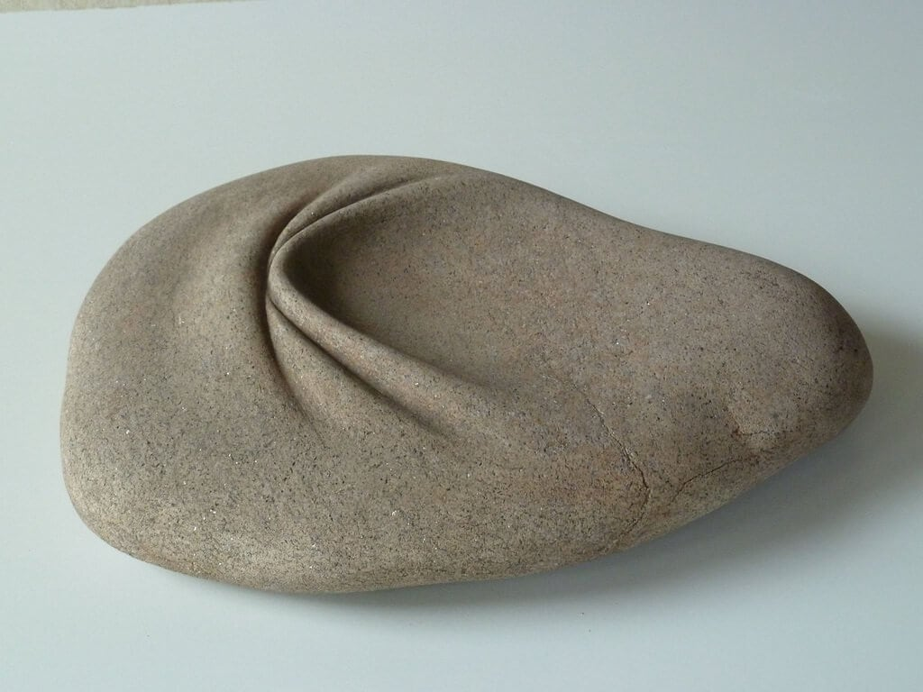 An Artist Turns Stones Into Wrinkled Fabrics -
