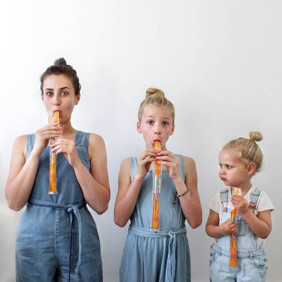 Mom's Photo-Project Involves Her Daughters And Matching Outfits -