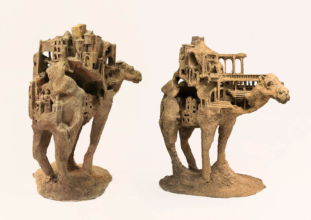 song kang sculptures 8 - Miniature Sculptures Carved into Stones and the Backs of Animals by Song Kang