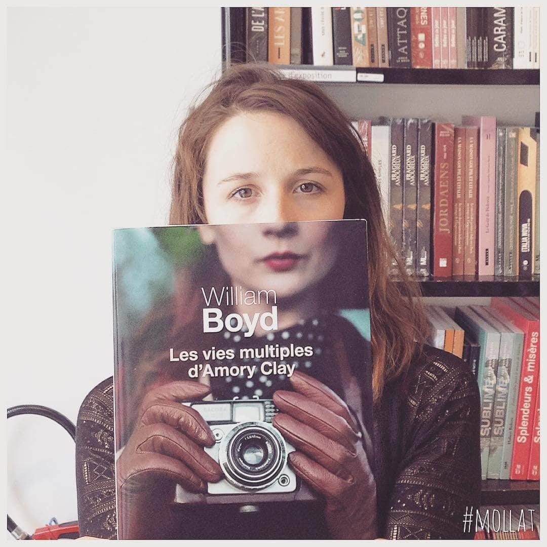 Librairie Mollat's Artistic Photo Series Matches Their Clients with Book Covers -