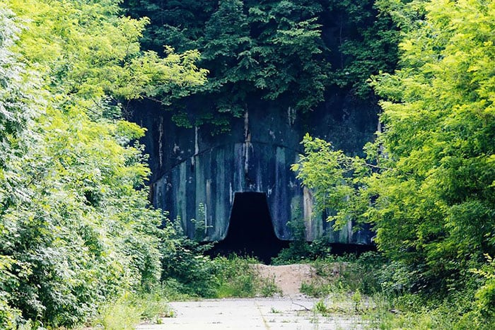 zeljava millitary base 13 - Eerie Photos Of Europe's Largest Underground Military Base Forgotten By Time
