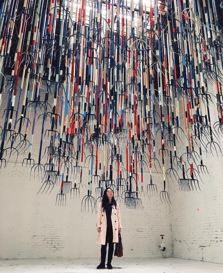 pitchfork installation simon birch 3 - Artist Dares Visitors to Stand Under Pointy Pitchforks Swinging from the Ceiling