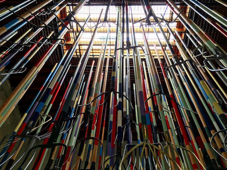 pitchfork installation simon birch 6 - Artist Dares Visitors to Stand Under Pointy Pitchforks Swinging from the Ceiling