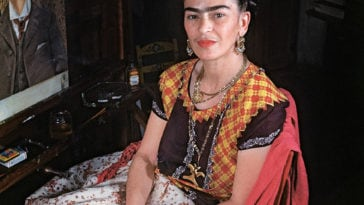 Photographer Shared Rare Photos Of Frida Kahlo During The Last Years Of Her Life -mexico, black n white