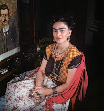 Photographer Shared Rare Photos Of Frida Kahlo During The Last Years Of Her Life -mexico, black and white