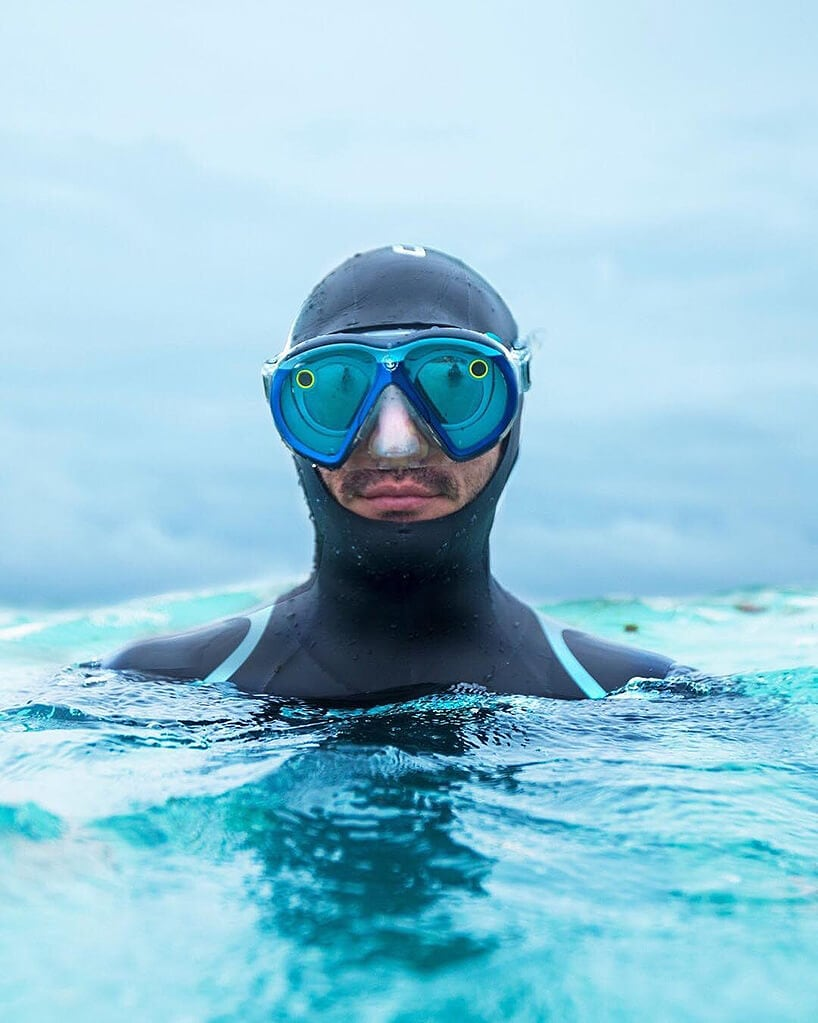 snapchat underwater goggles fy 2 - The 'Seaseekers' Mask Lets You Use Snapchat from Underwater