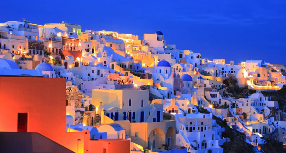 santorini 03 1100x589 - 25 Most Breathtaking Places in the World That You Must Visit Soon