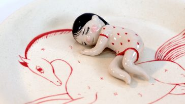 cosy clay sculptures fy 4 364x205 - These Cosy Clay Sculptures Will Make You Feel Warm