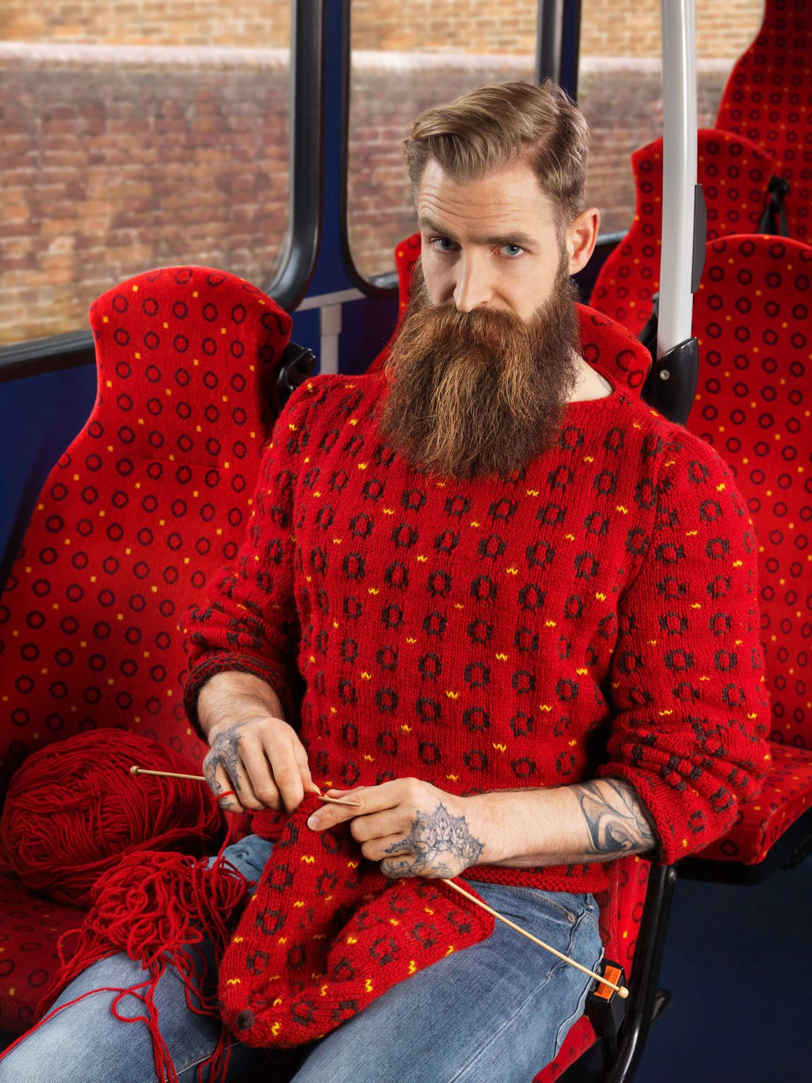 Custom Hand-Knit Sweaters Blend Subjects into Urban Environments -portraits, photographer, photo-project, gohome