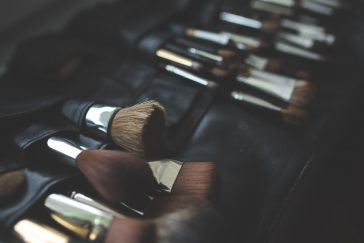 Pros & Cons of Makeup Direct Sales -sell makeup, make up