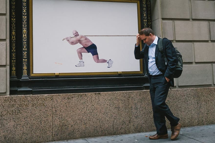 A Photographer Captured Perfectly Timed Photos On The Streets Of New York -perfect timing, people, new york, gohome