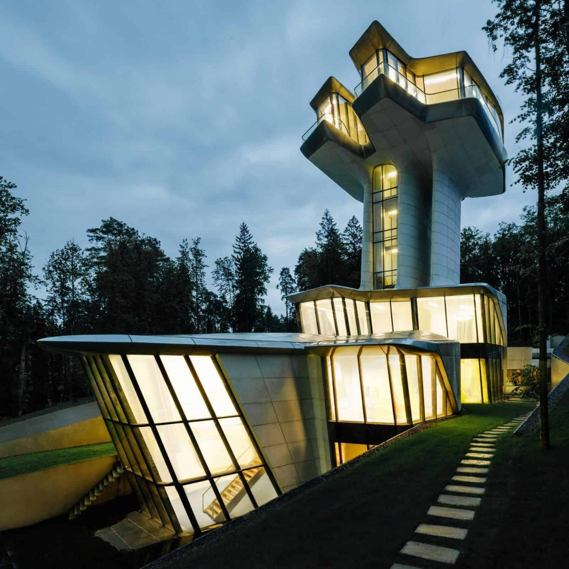 New photographs Reveal Zaha Hadid's Only Completed Private Residence -zaha hadid, russia, gohome, forest, buildings