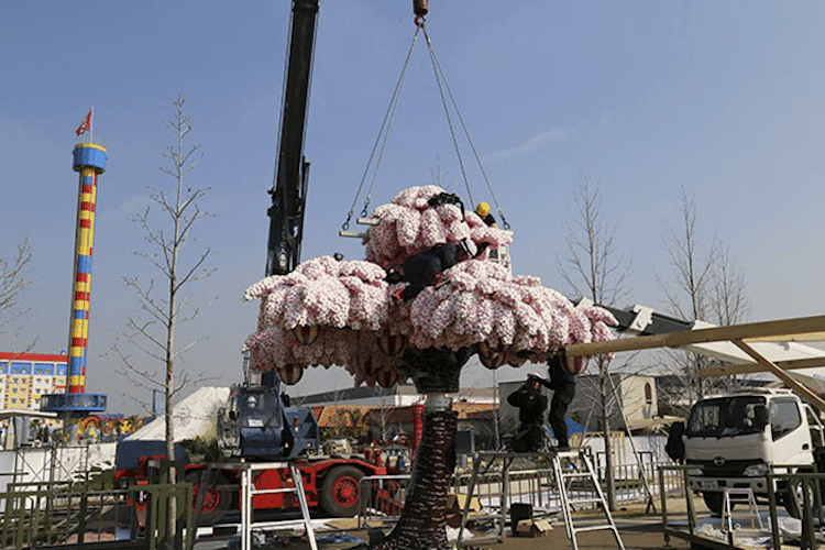 This Incredibly Beautiful Cherry Blossom Tree Is Made Entirely Of Lego Blocks -tree, lego