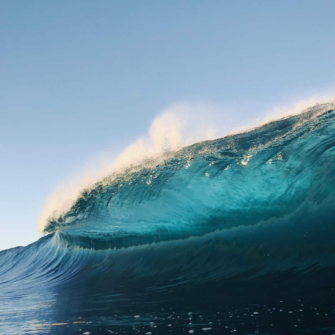 These Kaleidoscopic Images of Wave Breaks Were Shot on iPhone -waves, ocean, gohome, australia